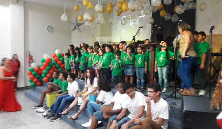 Apresentação Infantil de Natal na Vila